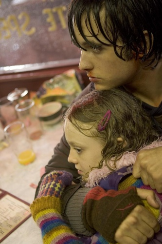 War Of The Worlds- Justin Chatwin & Dakota Fanning