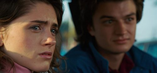 3 Stranger Things- Natalia Dyer & Joe Keery