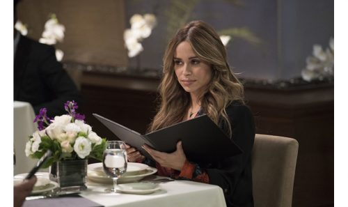 Kevin Can Wait - Zulay Hanao