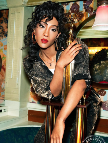 5_Pose_Entertainment Weekly_MJ Rodriguez
