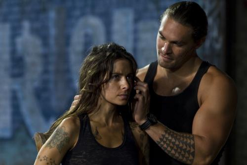 Bullet To The Head - Sarah Shahi & Jason Momoa